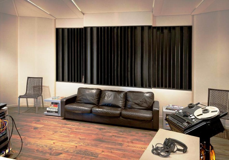 mastering vereist een gecontroleerde akoestiek