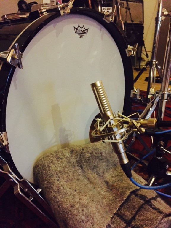 EP opnemen - Dampended kick drum with R121
