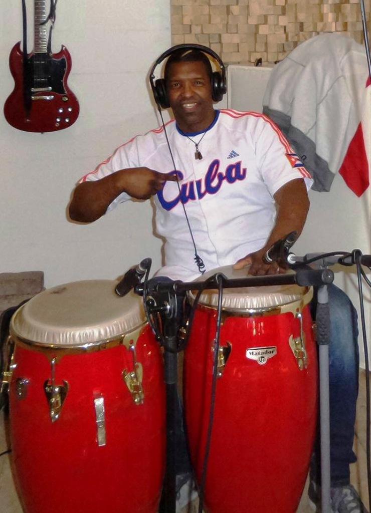 Album opname Pedro Luis - Conga's