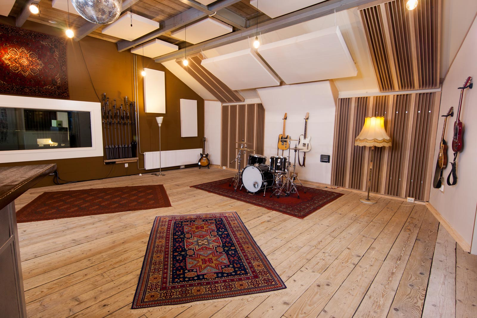 live room van recording studio peggy51
