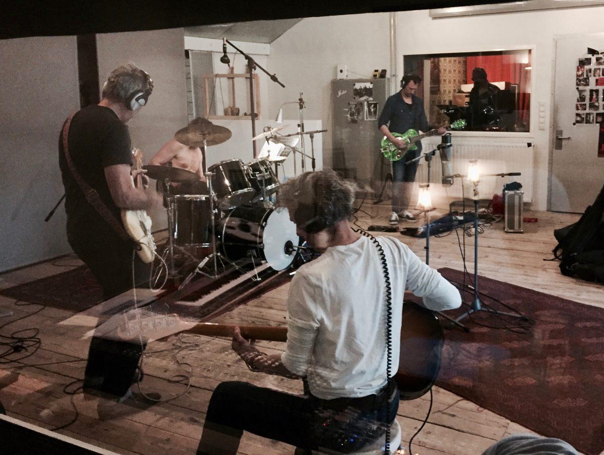 De Raggende Manne nemen op bij Studio peggy51